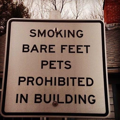 Smoking pets prohibited